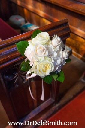 couples_retreat_center_chapel-roses